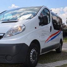 Iznajmljivanje-kombija-1_0002_Opel Vivaro 8+1 (1)