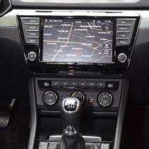 iznajmljivanje-automobila-1_0001_Iznajmljivanje-vozila-sa-vozacem-Skoda-Superb-LUX (10)