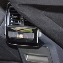 iznajmljivanje-automobila-1_0003_Iznajmljivanje-vozila-sa-vozacem-Skoda-Superb-LUX (6)